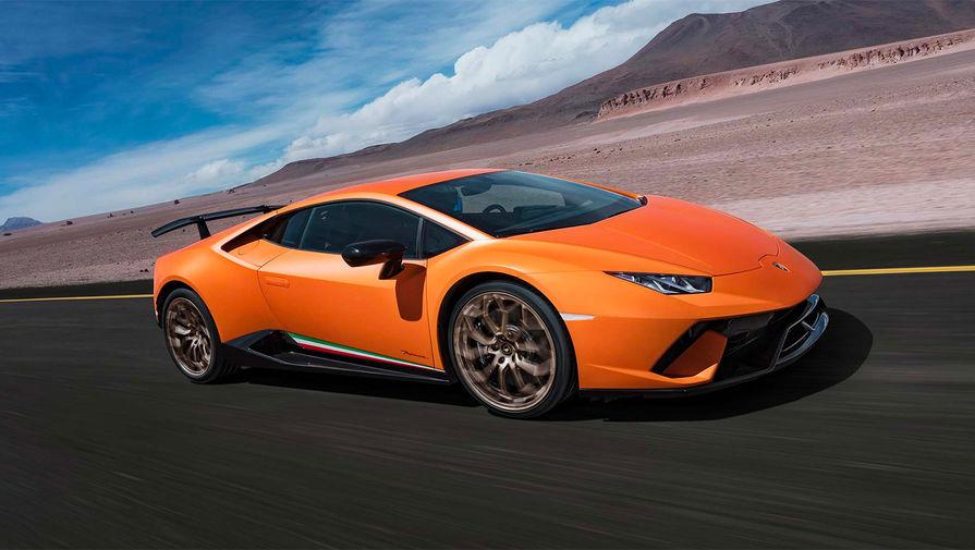 <b>Lamborghini Huracan</b> (годы выпуска: 2014 &mdash; настоящее время). Lamborghini Huracan пришел на смену Gallardo. Автомобиль оборудован 5,2-литровым 10-цилиндровым бензиновым атмосферным двигателем мощностью 610 л.с. при 8,250 оборотах и 560 Нм крутящего момента. Разгон до 100 км/ч происходит за 3,2 сек, а максимальная скорость составляет 325 км/ч.