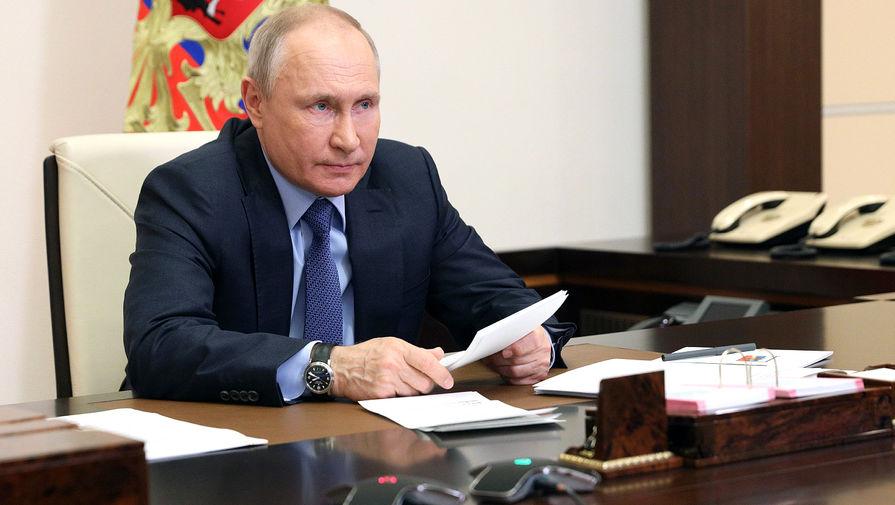 Путин назвал уродливым законопроект о коренных народах Украины