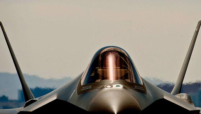 Истребитель F-35A Lightning II на базе ВВС США Неллис в Неваде, 2013 год