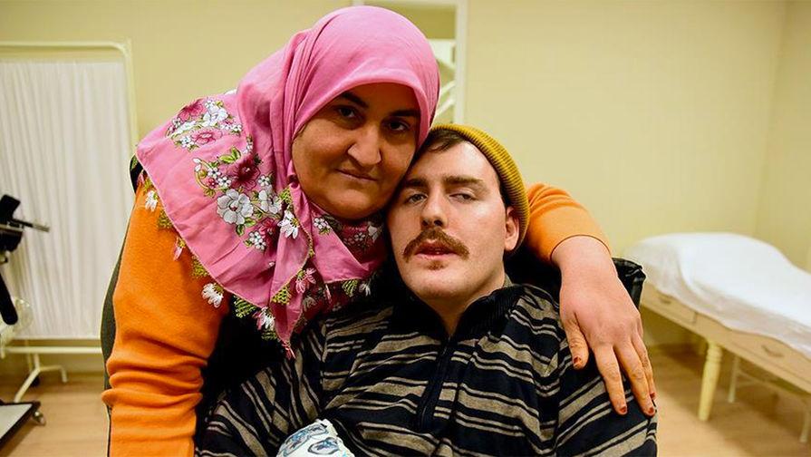Умер молодой россиянин, которого в Анталии 10 лет выхаживала турчанка d901268d553