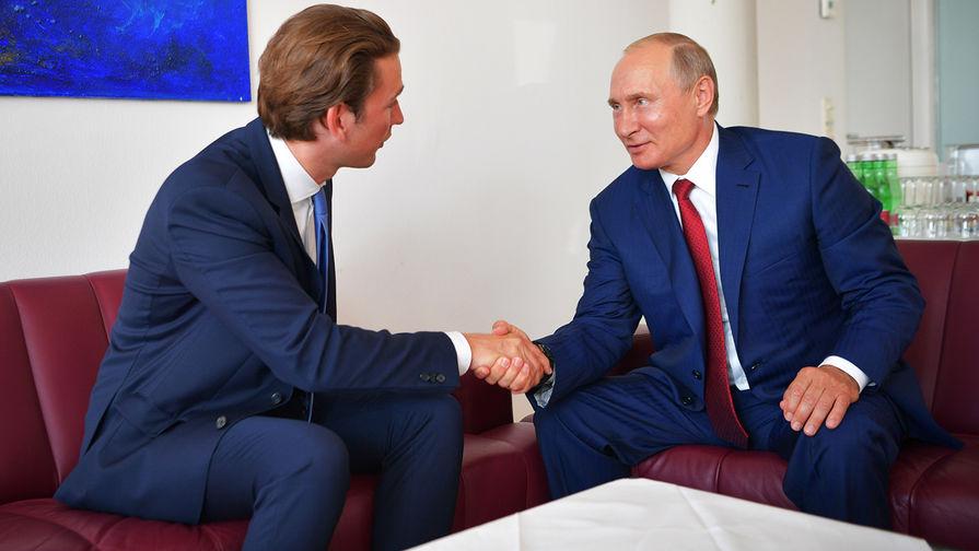 Путин обсудил с канцлером Австрии возможности поставки Спутника V