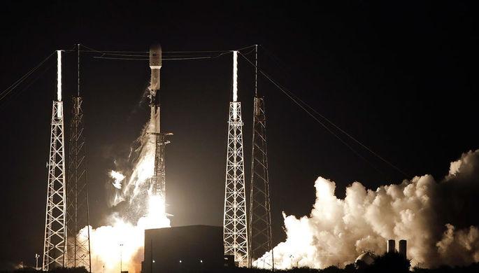 Ракета-носитель Falcon 9 стартовала с космодрома в США