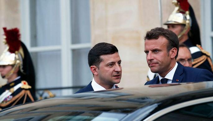 Президент Франции Эммануэль Макрон и президент Украины Владимир Зеленский в Елисейском дворце в Париже, 17 июня 2019 года