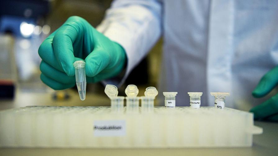 Эксперт заявил, что чипировать людей через вакцину от коронавируса невозможно