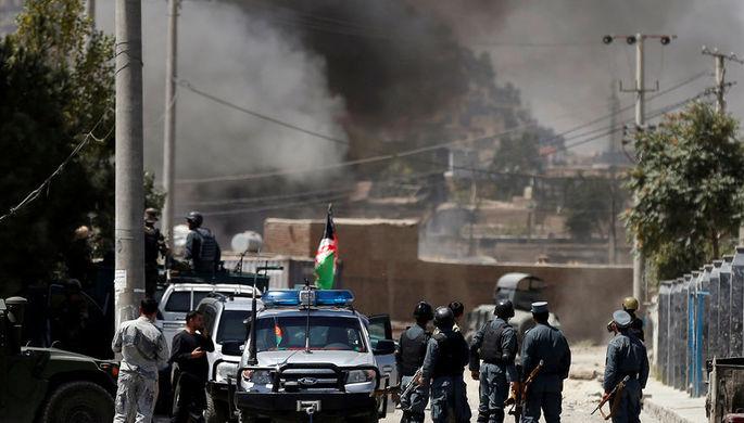 Дым над местом атаки в афганском Кабуле, 21 августа 2018 года