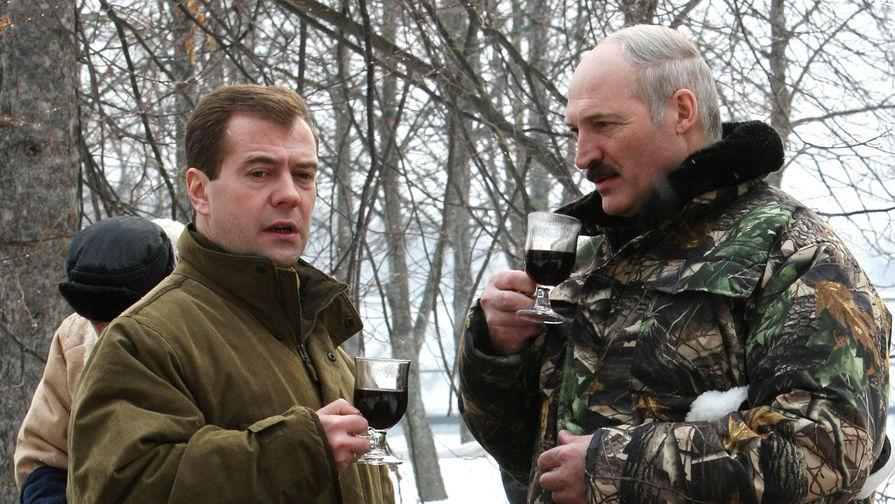 Лукашенко распорядился отменить запрет на продажу алкоголя по ночам