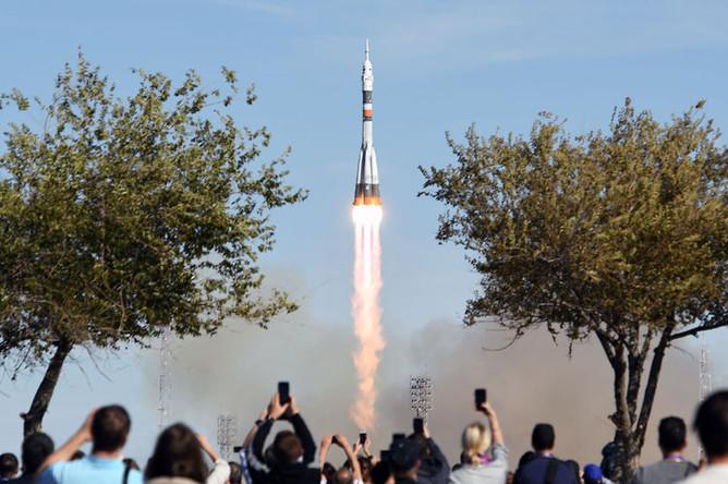 Во время запуска ракеты-носителя «Союз-ФГ» с кораблем «Союз МС-10» с «Гагаринского старта» космодрома Байконур, 11 октября 2018 года