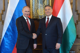 Владимир Путин и премьер-министр Венгрии Виктор Орбан во время встречи в здании Государственного собрания Венгрии