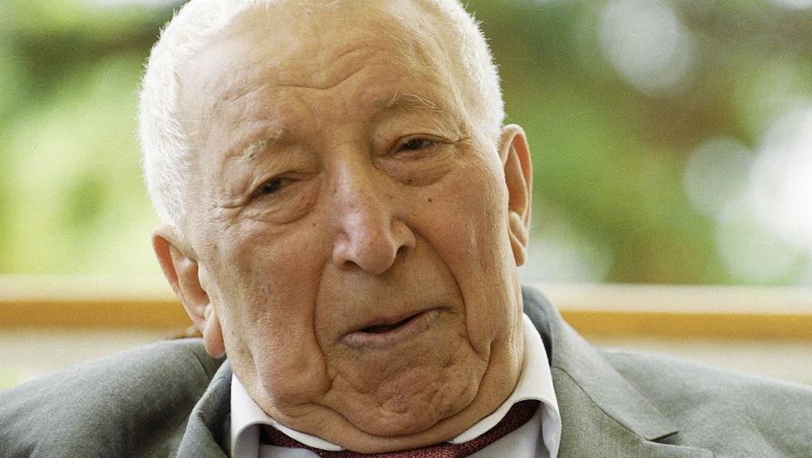 Поэт Дагестана Расул Гамзатов (1923-2003)
