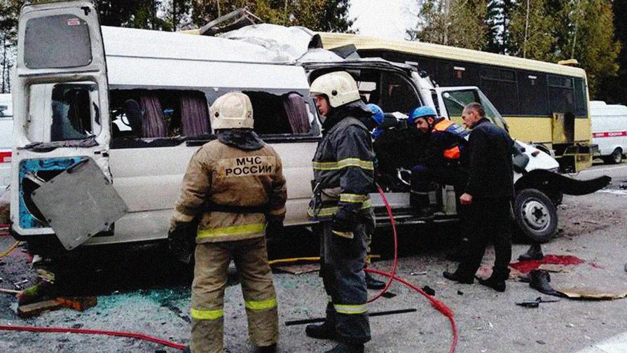 Авария с участием автобуса и микроавтобуса в Тверской области, октябрь 2018 года