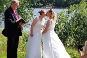 Литовская футболистка Виктория Будрите в Швеции сыграла свадьбу со своей возлюбленной — 30-летней Мариной Мелоди Виннерсьо