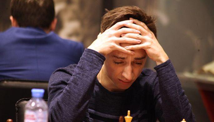 Главный турнир России: Непомнящий и Карякин сражаются в Москве