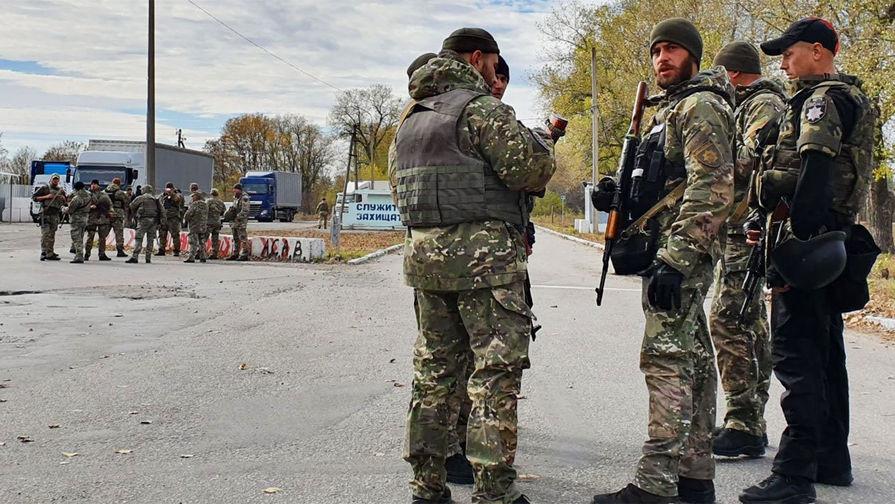 Война до победного: украинские радикалы пытаются помешать отводу войск
