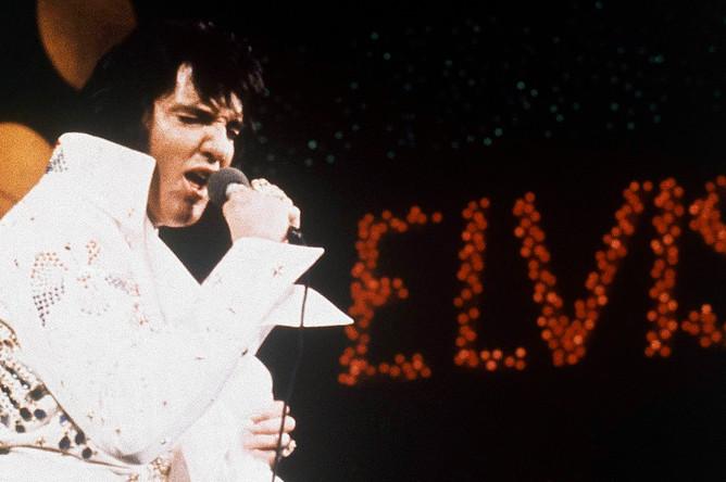 <b>Элвис Пресли</b>, певец, $39 млн.