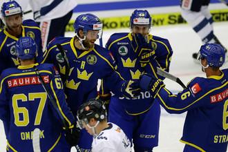 Сборная Швеции во втором туре группового раунда чемпионата мира по хоккею играет против Германии