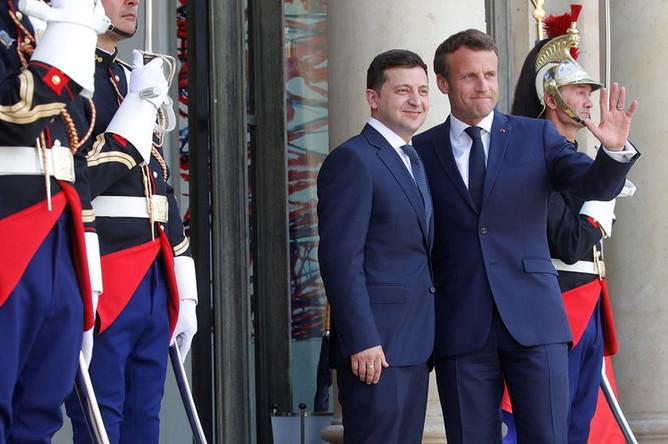 Президент Украины Владимир Зеленский и президент Франции Эммануэль Макрон в Елисейском дворце в Париже, 17 июня 2019 года