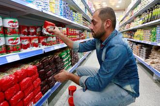 Консервы вместо устриц: почему европейцы стали экономить на еде