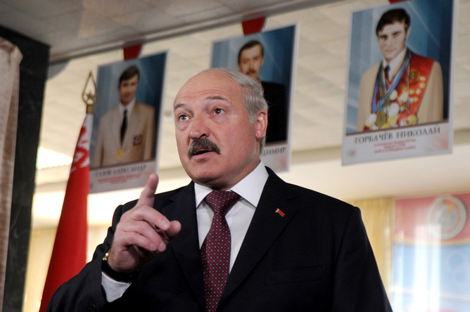 Лукашенко сократит госаппарат на 25-30%