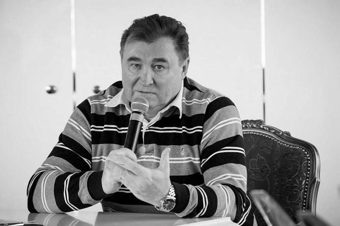 Казаченок с начала 2014 года занимал пост директора футбольной академии «Зенита»