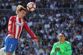 Антуан Гризманн отличился в мадридском дерби против «Реала» и принес «Атлетико» ничью