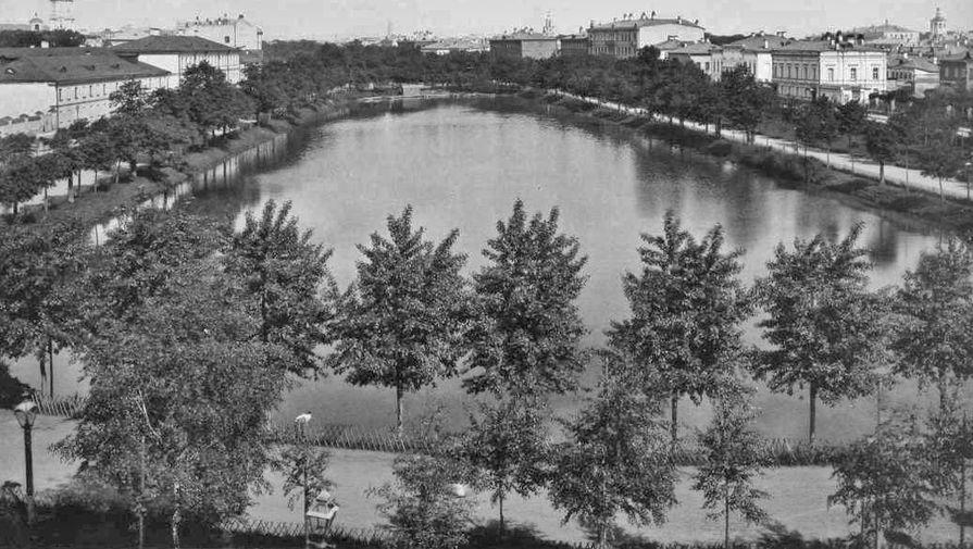 Чистопрудный бульвар. Фотография конца XIX века