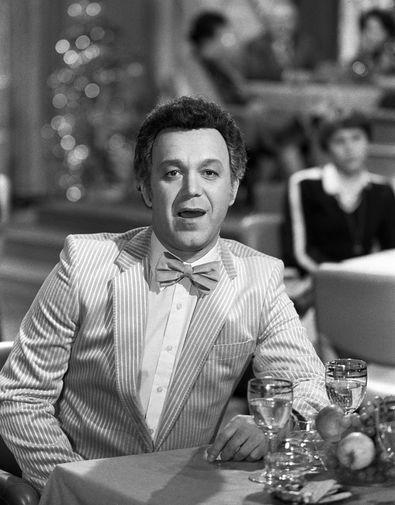 """1980 год. Иосиф Кобзон во время съемок новогодней телепередачи «Ð""""олубой огонек»."""