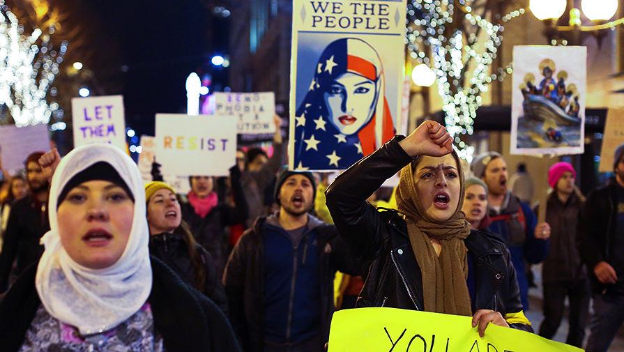 Протесты против миграционной политики администрации Трампа в Сиэтле