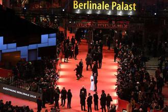 Вид на красную дорожку 69-го Берлинского кинофестиваля, 7 февраля 2019 года