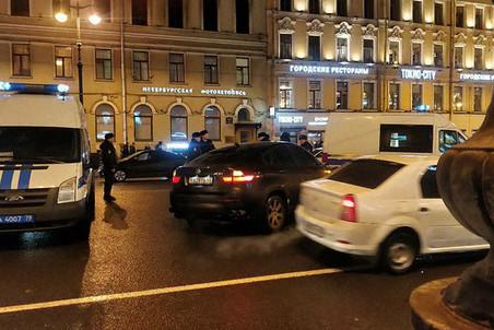 Картинки по запросу В Санкт-Петербурге азербайджанский автомобиль сбил пешеходную группу на BMW X6
