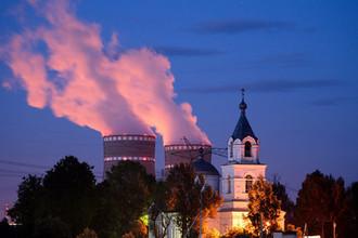 Церковь Иоанна Богослова в селе Троица Удомельского района Тверской области и Калининская атомная электростанция (КАЭС), 2013 год