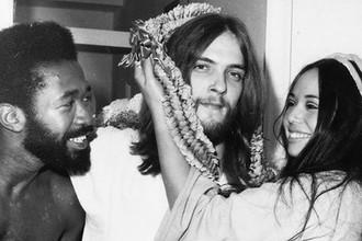 Бен Верин в роли Иуды, Джефф Фенхольт в роли Христа и Ивонн Эллиман в роли Марии Магдалины за сценой после предпоказа рок-оперы «Иисус Христос — суперзвезда» в Нью-Йорке, 1971 год