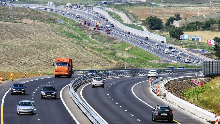 Автомобильное движение на участке Симферополь-Белогорск трассы «Таврида» в Крыму