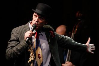 Актер и музыкант Хью Лори выступит в Москве с двумя концертами