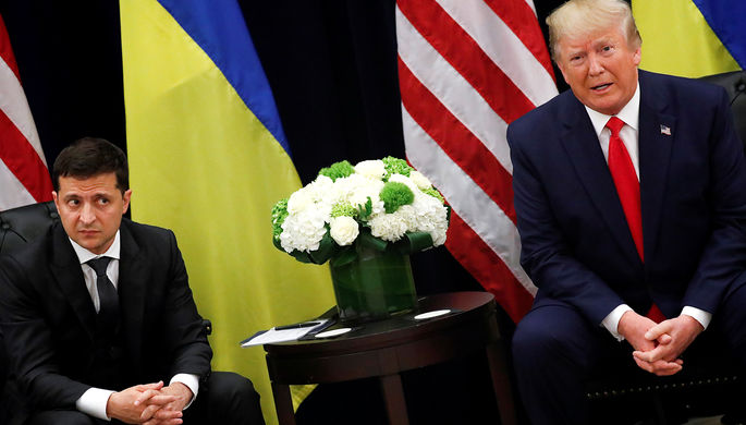 Президент Украины Владимир Зеленский и президент США Дональд Трамп во время встречи на полях Генассамблеи ООН в Нью-Йорке, 25 сентября 2019 года