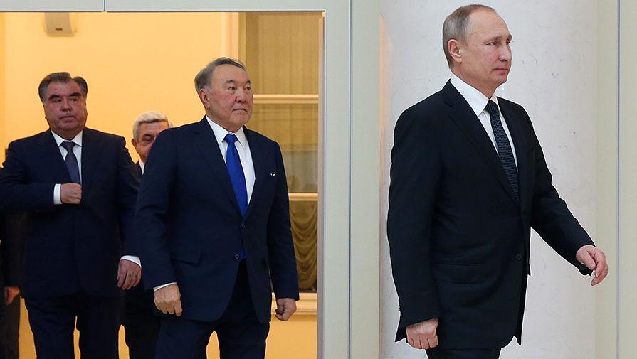 Президент Таджикистана Эмомали Рахмон, президент Казахстана Нурсултан Назарбаев и президент России...