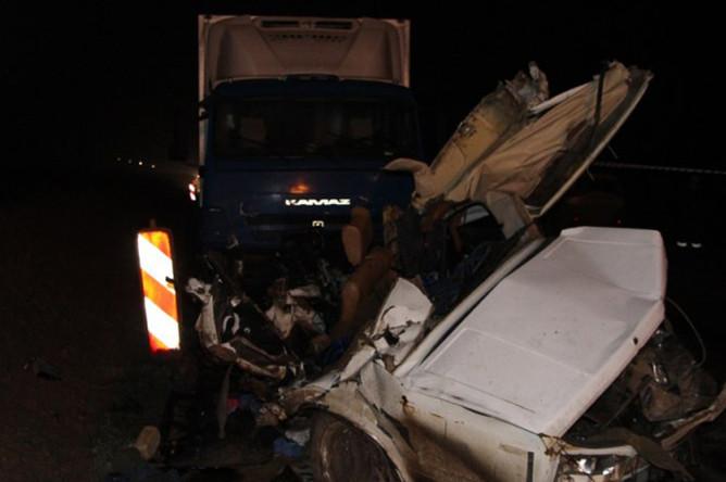 Последствия крупной дорожной аварии на трассе Керчь-Феодосия в Крыму, 16 февраля 2018