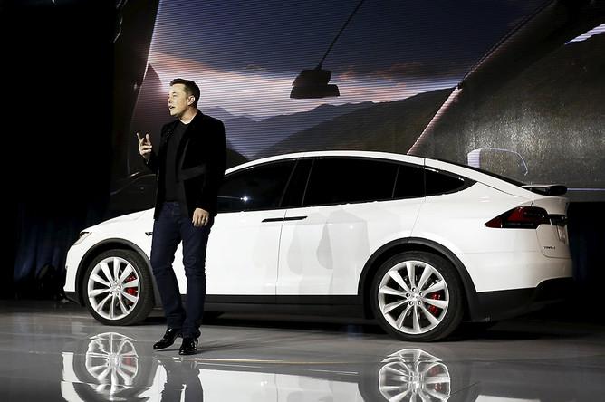 Глава Tesla Motors Элон Маск на премьере Tesla Model X