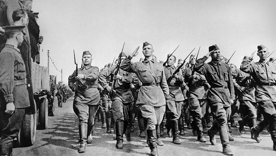 Солдаты направляются на фронт