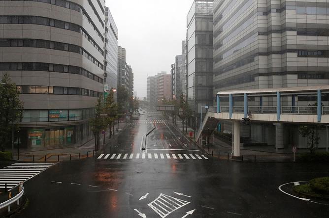 Безлюдные улицы Йокогамы перед тайфуном «Хагибис», 12 октября 2019 года