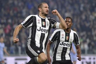Джорджто Кьеллини празднует последний гол в матче с «Сампдорией»
