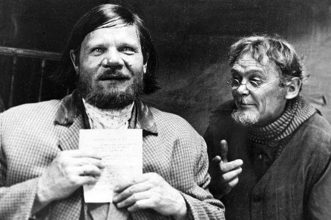 Михаил Пуговкин (слева) и Леонид Гайдай в фильме «Двенадцать стульев» (1971)