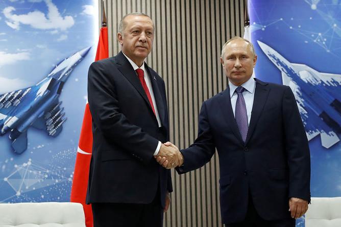 Президент России Владимир Путин и президент Турции Реджеп Тайип Эрдоган на авиасалоне МАКС в подмосковном Жуковском, 27 августа 2019 года