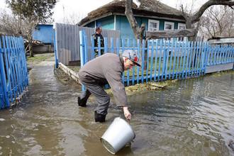 МЧС борется с паводками, в Кемеровской области началась эвакуация людей