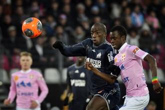 Защитник «Марселя» Сулейман Диавара никогда не упускает мяч из виду
