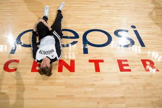 Андрей Кириленко и Тимофей Мозгов набрали по девять очков, но «Бруклин» все равно разгромил на выезде «Денвер»