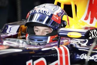 Российский гонщик «Ред Булл» Даниил Квят занял 13-е место в квалификации Гран-при Австралии