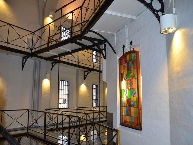 Тюремные интерьеры