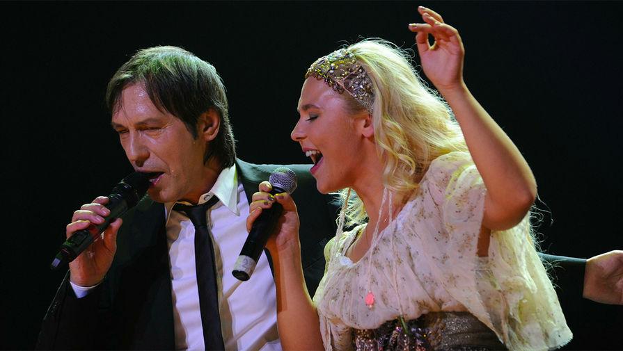 Николай Носков и Пелагея во время концерта, 2011 год