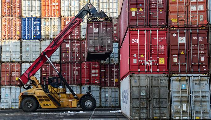 Не затарились: автомобили и запчасти подорожают из-за контейнеров