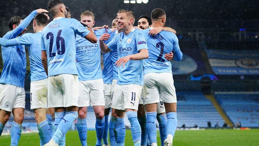 Футболисты «Манчестер Сити» празднуют второй гол Рияда Мареза